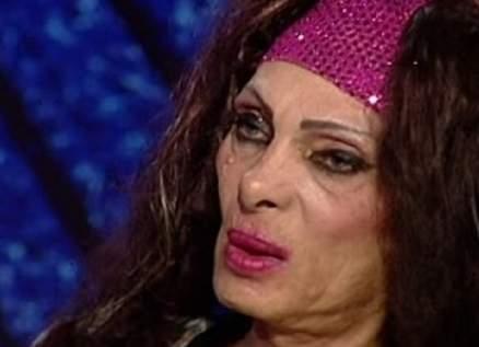 """بالفيديو- وفاة الراقصة """"سوزي"""" .. جويل بدر تجهش بالبكاء"""