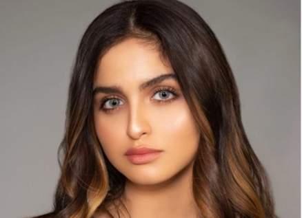 حلا الترك تبدو أكبر سناً بعد تغيير لون شعرها-بالصورة