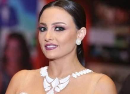 بالفيديو- بشرى تصدم بطلب يدها في مهرجان الجونة وخالد الصاوي عرابها