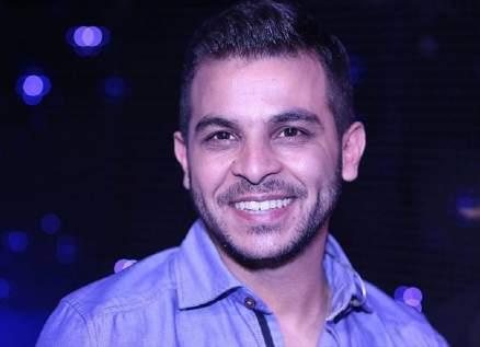 """محمد رشاد يطرح فيديو كليب أغنيته الجديدة """"لا بسيطة"""""""