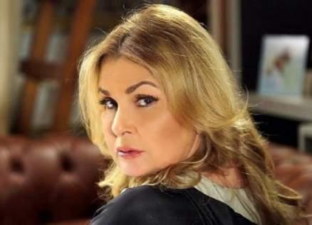 حلا شيحة ومنى زكي ونيللي كريم يدعمن يسرا في الأوسكار