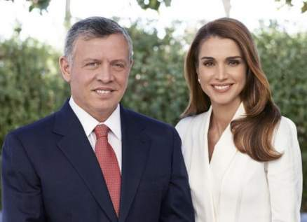 الملكة رانيا برسالة رومانسية لزوجها الملك عبد الله الثاني بمناسبة عيد زواجهما.. بالصورة