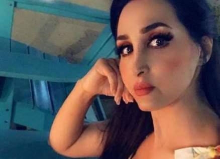 """هجوم على هند القحطاني: """" أنا أحب ألبس كدا وأبين جمالي""""-بالفيديو"""