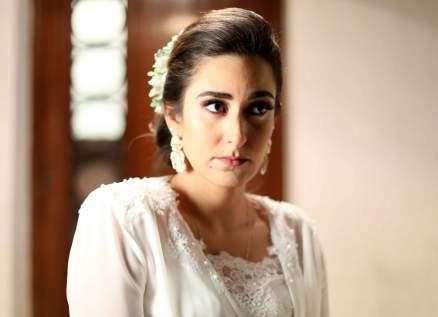 أمينة خليل تبحث عن تحقيق ذاتها بعيداً عن الضغوط العائلية