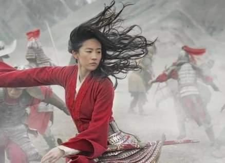 """بعد تصريحات بطلة فيلم """"Mulan"""".. دعوات لمقاطعته!"""