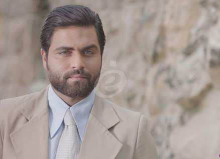 """خاص - حسين فنيش : أتكل على موهبتي في """"رصيف الغرباء"""" وعلي منيمنة محترف بأدوار الشر"""