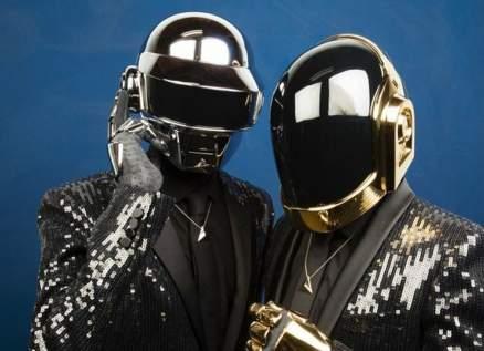 """بعد إنفصال فريق """"Daft Punk"""".. إرتفاع مبيعات أعماله بشكل قياسي - بالفيديو"""