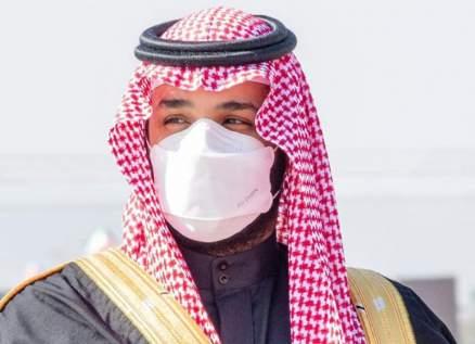 محمد بن سلمان رمز في عالم الموضة .. كمامته وعطره وساعاته وملابسه الشغل الشاغل للشباب