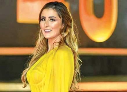 """خاص """"الفن""""- عائشة بن أحمد: """"الفلوس"""" خطوة مهمة وأركّز في السينما"""