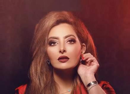 """فاطمة الصفي تحتفل بعيد ميلادها مع فريق عمل """"دفعة بيروت"""""""