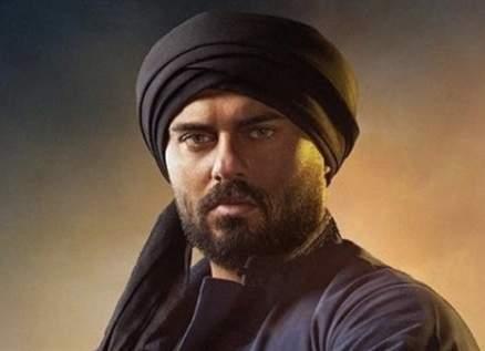 """هل يعتبر أحمد صلاح حسني أن تقديمه دور ثانٍ في """"الفتوة"""" تراجعاً؟"""