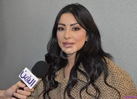 """خاص وبالفيديو- سارة فرح تهدي ناصيف زيتون وماغي بو غصن ونادين الراسي """"عشرة على عشرة"""""""