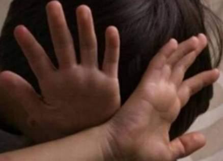 فضيحة مدوية في السعودية..فتاة تتحرش بشقيقتها الصغرى في بثّ مباشر-بالصورة