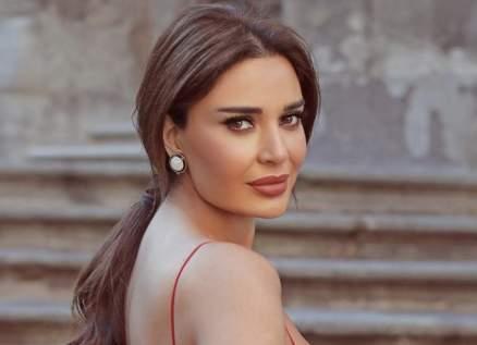 """سيرين عبد النور تفاجئ متابعيها بـ""""لوك"""" جديد.. شاهدوا جمالها- بالصور"""
