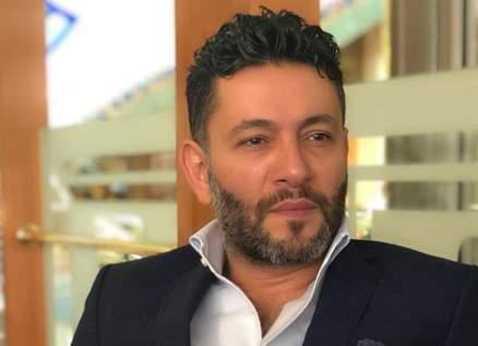 """محمد إمام يغنّي """"شو حلو"""" وزياد برجي يعلّق"""