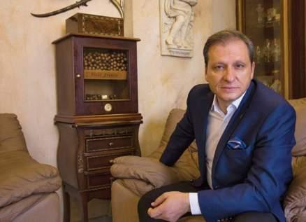 """نزار فرنسيس: """"طالعة ريحة البخور قد ما في تبخير ع الطالع والنازل بالمسلسلات"""""""