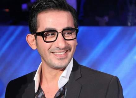 """أحمد حلمي يهنئ تامر حسني على """"الفلوس"""" والأخير يردّ"""