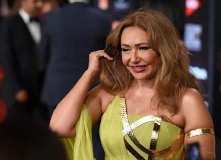 ليلى علوي تطل في مهرجان الجونة بفستان إرتدته قبل أكثر من 25 عاماً-بالصورة