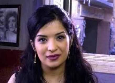 داليا إبراهيم أثارت الجدل بهذا المشهد مع عمرو عبد الجليل.. وفاجأت محبيها بإعتزالها