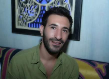 وفاة والد علي المولى.. وصلاح الكردي ينعاه