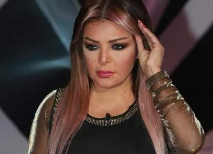 فلة الجزائرية تفجع بوفاة شقيقتها نعيمة عبابسة-بالصور