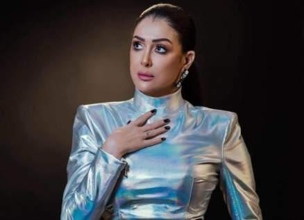 غادة عبد الرازق بفستان الزفاف..هل فعلتها مجدداً؟ بالصورة