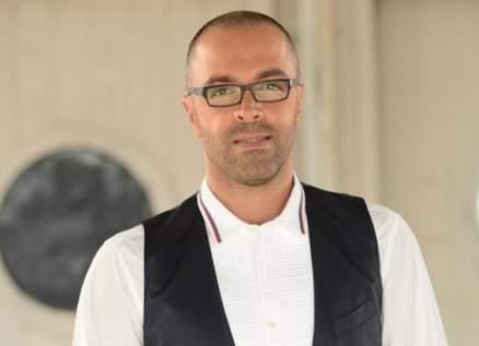 هشام بولس يسخر من الإجرائات الوقائية في مطار بيروت