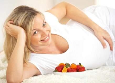 نصيحة مهمة للمرأة الحامل صاحبة الوجه الدهني