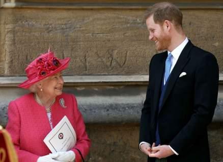 الملكة اليزابيث ترحب بقرار عودة الأمير هاري الى مهامه الملكية