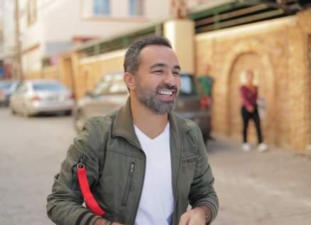 """لمن قال مروان الشامي """"ابتسامتك الجميلة تجلب السعادة لكل القلوب""""؟"""
