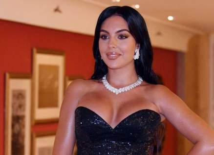 جورجينا رودريغز تعرّفت على كريستيانو رونالدو بالصدفة.. أنجبت وإمرأة أخرى منه في نفس السنة