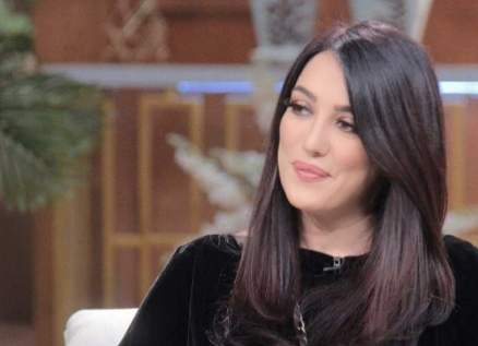 كندة علوش تحتضن طفلتها: الله لايحرمني هالحضن-بالصورة