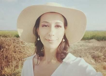 """خاص- دنيا ماهر تكشف لـ""""الفن"""" كواليس مشاركتها في """"النمس والإنس"""" مع محمد هنيدي"""