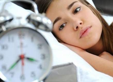 قلة النوم تمهد الطريق للبدانة