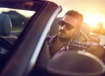 بهذه الطريقة تحمي جلدك من الشمس أثناء قيادة السيارة