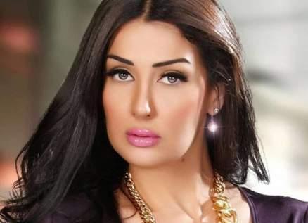 غادة عبد الرازق تكشف عن سبب ظهورها بفستان زفاف مميز