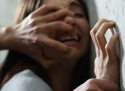 نجم أفلام إباحية مُتهم بالإغتصاب والإعتداء الجنسي على 12 إمرأة وفتاة مراهقة
