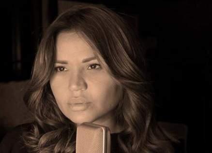 """جوانا ملاح تعود بـ""""أنا عربية"""" تضامناً مع أطفال لبنان بعد إنفجار بيروت.. بالفيديو"""