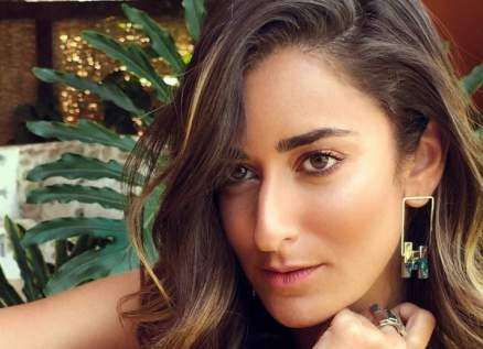 أمينة خليل توضح حقيقة إحتفالها بزفافها قبل نهاية العام الجاري