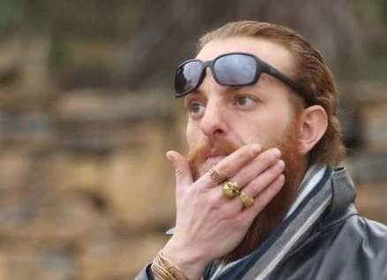 هجوم كبير على أويس مخللاتي بسبب ما فعله في عزاء حاتم علي-بالصور