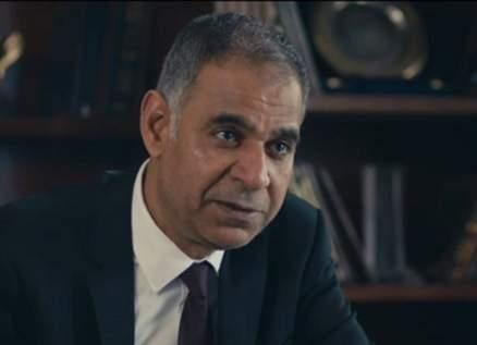 محمود البزاوي يضم صوته لـ شريف منير في أزمة منى فاروق