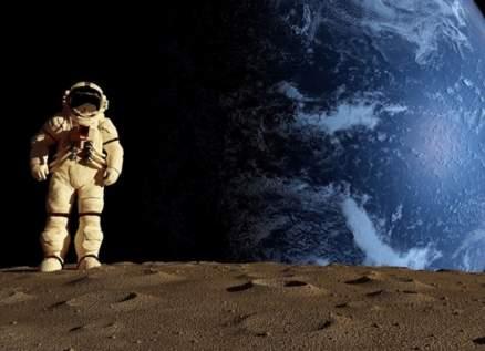 فرصة لن تتكرر!.. رافقي هذا الملياردير في رحلة الى القمر