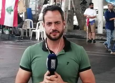 إصابة إدمون ساسين خلال تغطيته المظاهرات في وسط بيروت-بالصور