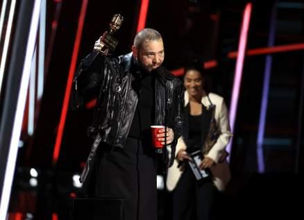 """9 جوائز يخطفها بوست مالون في حفل """"Billboard Music Awards"""""""