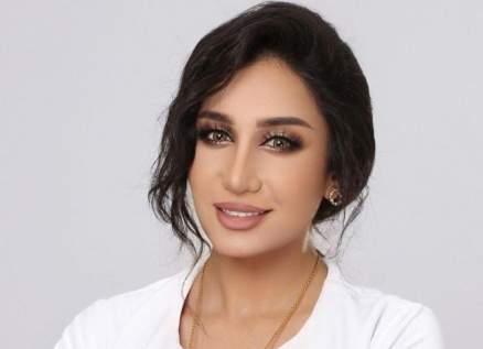 بعد نشر صورة فاضحة لها.. حنان رضا تثير الجدل بالحجاب وتلاوة القرآن- بالفيديو