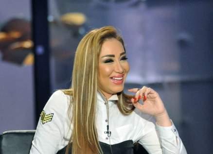 بالفيديو- ريهام سعيد تتخلى عن التاتو.. وهذا سبب إرهاق بشرتها