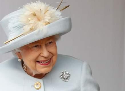 أكبر ماسة في العالم في بروش الملكة إليزابيت الثانية.. بالصورة