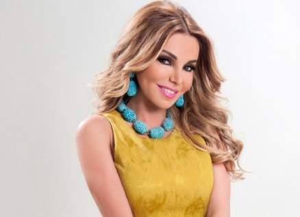 بالصورة- رزان مغربي بفستان أنيق أصفر تستعيد ذكرياتها مع عمر الشريف