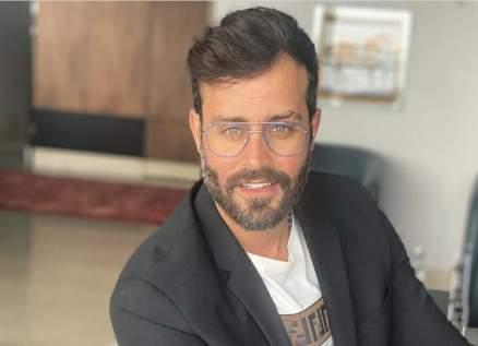 """سعد رمضان يعزف لحن """" قديش كان في ناس"""" - بالفيديو"""