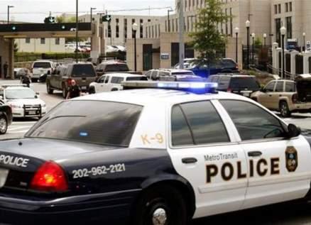بالفيديو- فتاة تهزّ بمؤخرتها على أصوات عربات الشرطة الأميركية